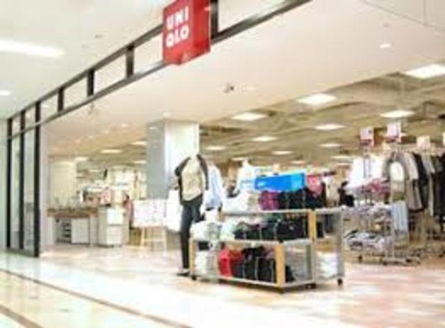 ユニクロ岸和田カンカンベイサイドモール店