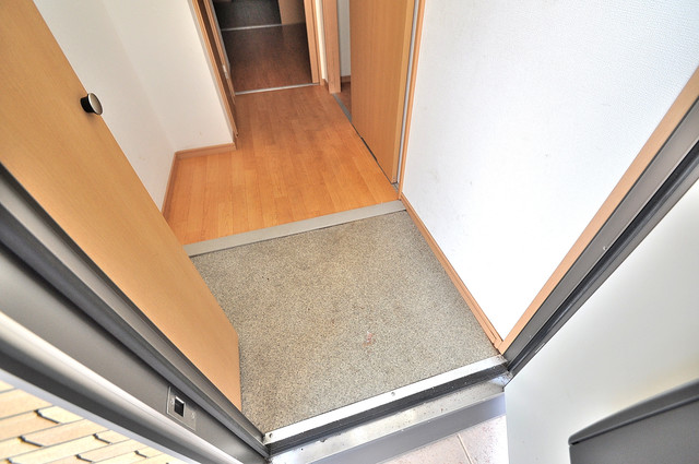 ソレジオ武村V S 素敵な玄関は毎朝あなたを元気に送りだしてくれますよ。