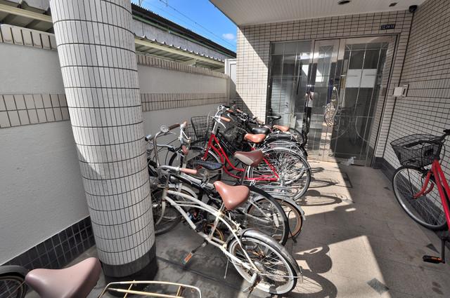 ロータリーマンション永和 広い駐輪スペースは、置き場を探すこともなくなりますね。