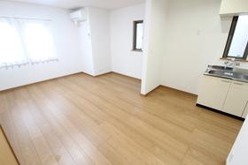 https://image.rentersnet.jp/8ab43d50-8d95-46c7-8ccc-202867a6efd1_property_picture_958_large.jpg_cap_居室