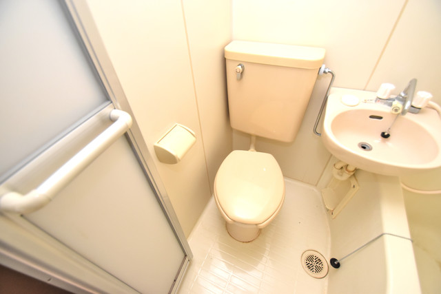 ダイヤコーポ 清潔感たっぷりのトイレです。入るとホッとする、そんな空間。