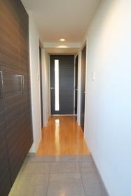 広々とした玄関は段差も少なく利用しやすいです