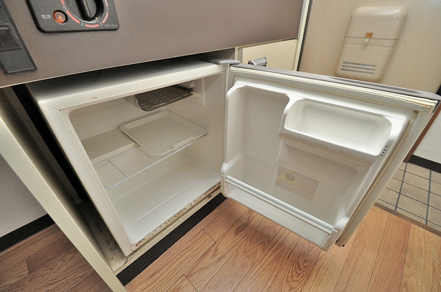 コーポフェルメール 機能的なキッチンにはミニ冷蔵庫が完備されています。