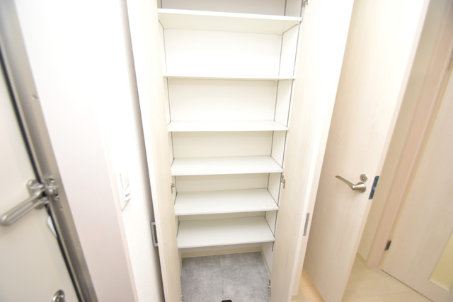 ラモーナ巽南 収納がたくさんあると、お部屋がすっきり片付きますね。