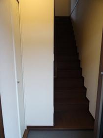 https://image.rentersnet.jp/8b862fb9-61f8-4d3f-977a-5547353078c6_property_picture_2418_large.jpg_cap_居室