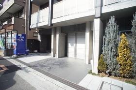 https://image.rentersnet.jp/8b9183ed78d18ab604df0d0b1207dd82_property_picture_2987_large.jpg_cap_エントランス