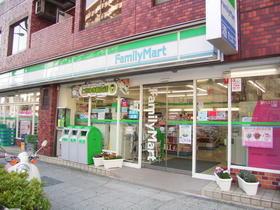 ファミリーマート横浜楠町店