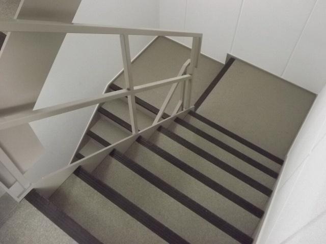 エレベーター付き物件ですが、内階段で雨にも濡れません