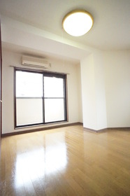 https://image.rentersnet.jp/8c1c98e4-9ce2-4e2c-b410-b33dfb5f6bfd_property_picture_2987_large.jpg_cap_※別部屋の参考写真