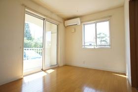 https://image.rentersnet.jp/8c2ecda3-79aa-46de-9ed4-7203b3b9dc11_property_picture_1993_large.jpg_cap_居室