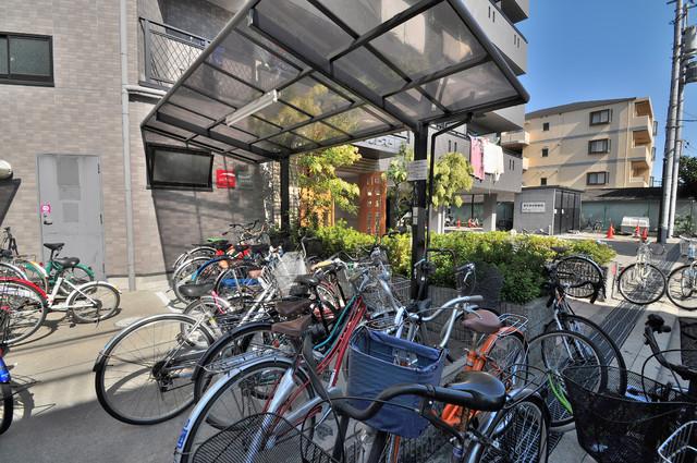 リュミエールイースト 駐輪場が敷地内にあります。愛車を安心して置いておけますね。