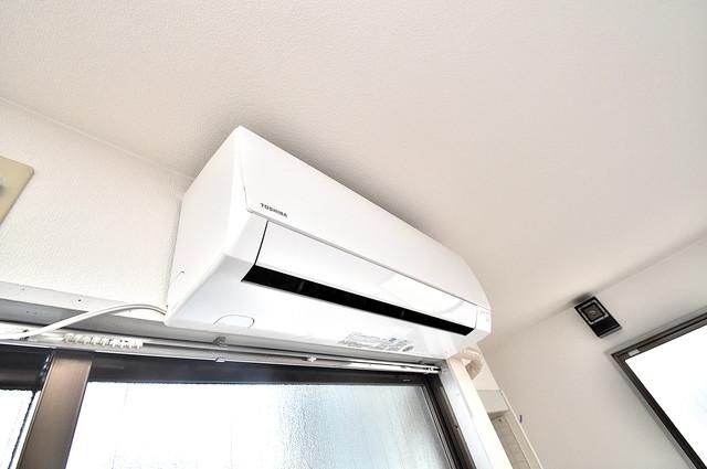 ハイム上小阪 エアコンが最初からついているなんて、本当に助かりますね。