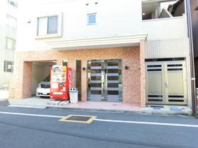 蔵前駅 徒歩18分エントランス