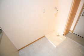 https://image.rentersnet.jp/8cb8e7d6-01d6-4e78-97be-6e11d3d58525_property_picture_2988_large.jpg_cap_居室