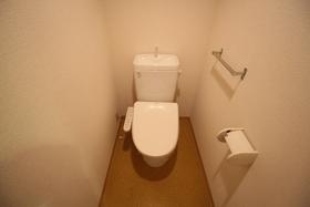 https://image.rentersnet.jp/8ce7976d-580b-4b96-863a-813b1d3f39ce_property_picture_1992_large.jpg_cap_トイレ