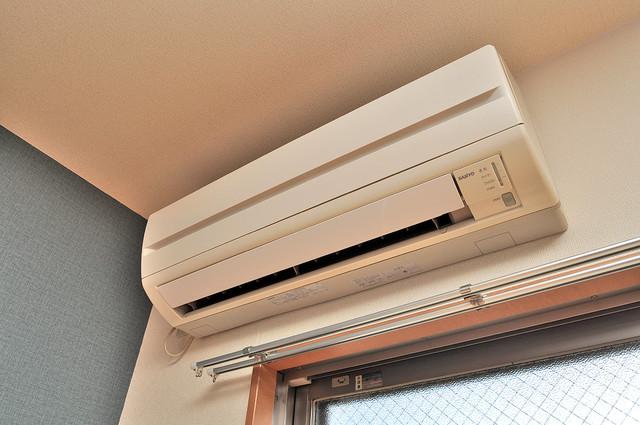 セレブ上小阪 エアコンが最初からついているなんて、本当に助かりますね。