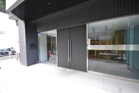 新板橋駅 徒歩15分エントランス