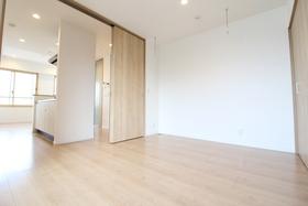 https://image.rentersnet.jp/8d40b2ef-a1fa-4330-9f87-af2b42155b52_property_picture_958_large.jpg_cap_居室