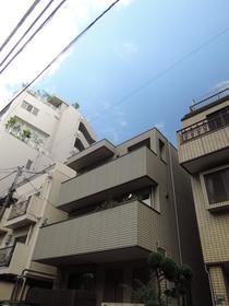 乃木坂駅 徒歩2分の外観画像