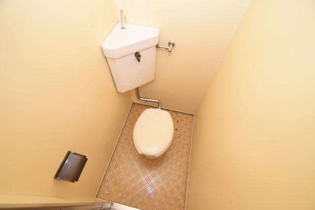 エンパイヤシティ スタンダードなトイレは清潔感があって、リラックス出来ます。
