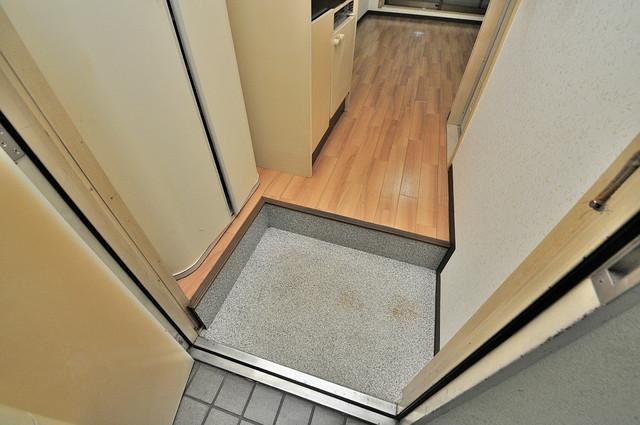 サニーマンション お部屋の入口には何も置かず、シンプルが一番ですね。
