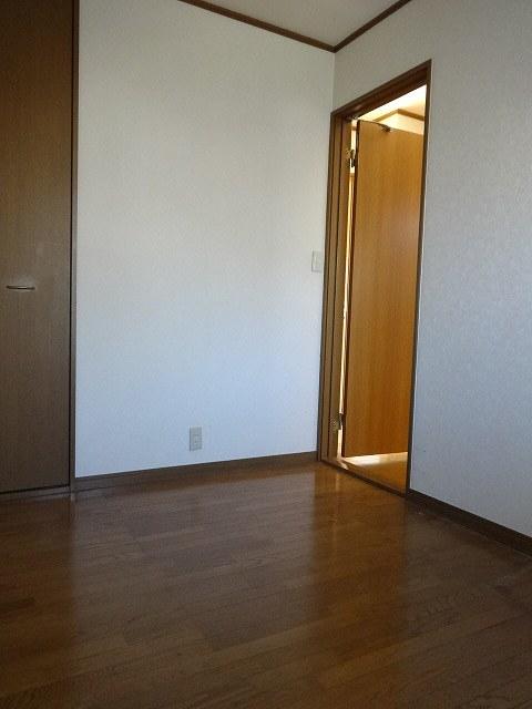 プラムガーデンB居室