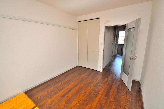 ブリエール布施A棟 贅沢な広さのリビングはゆったりくつろげる空間です。