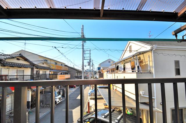 寺前町1-1-27 貸家 この見晴らしが陽当たりのイイお部屋を作ってます。