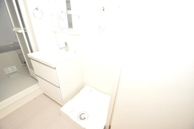ハーモニーテラス新今里Ⅱ 嬉しい室内洗濯機置場。これで洗濯機も長持ちしますね。