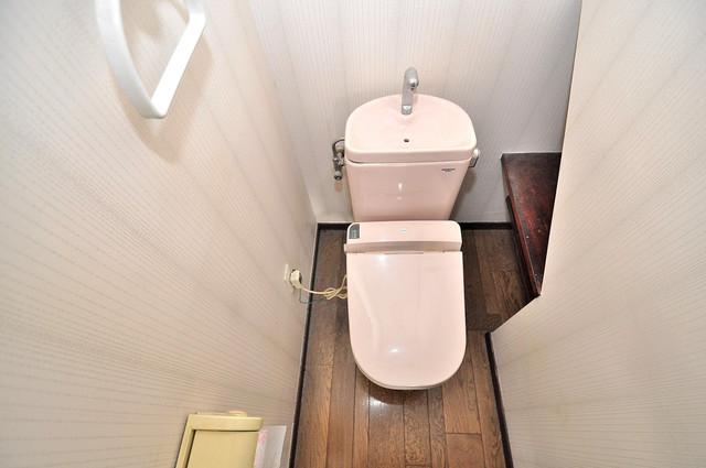 ルシード小阪 清潔感のある爽やかなトイレ。誰もがリラックスできる空間です。
