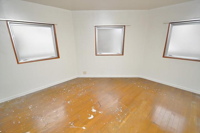 新星ビル上小阪 落ち着いた雰囲気のこのお部屋でゆっくりお休みください。