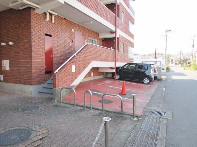 本厚木駅 徒歩9分駐車場