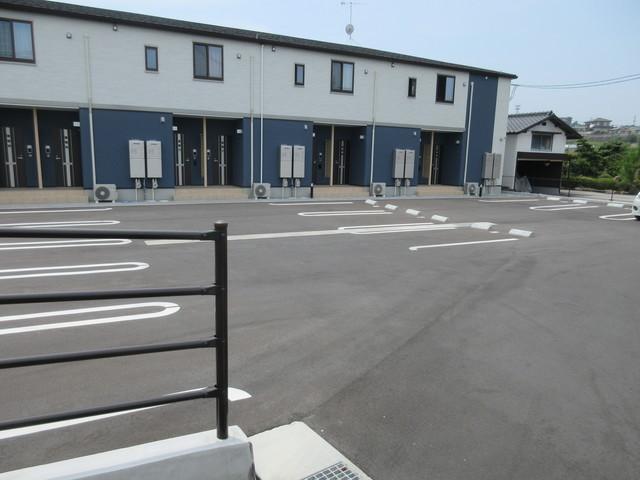 グランデ クォーレ駐車場