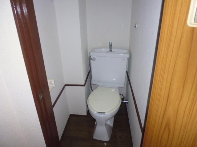 大里マンショントイレ