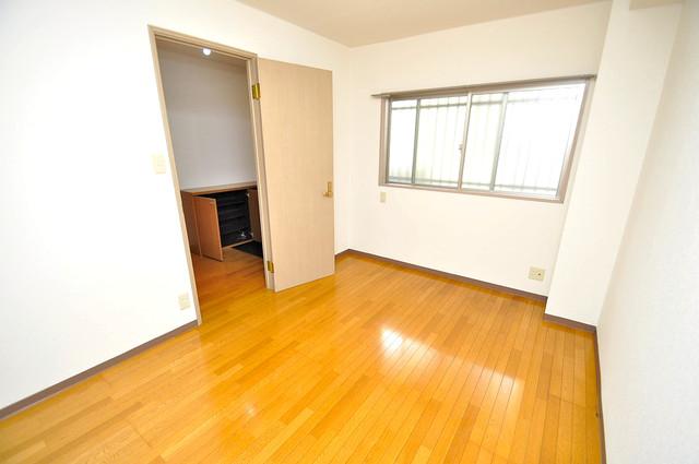 ローズガーデンCOMO 明るいお部屋はゆったりとしていて、心地よい空間です