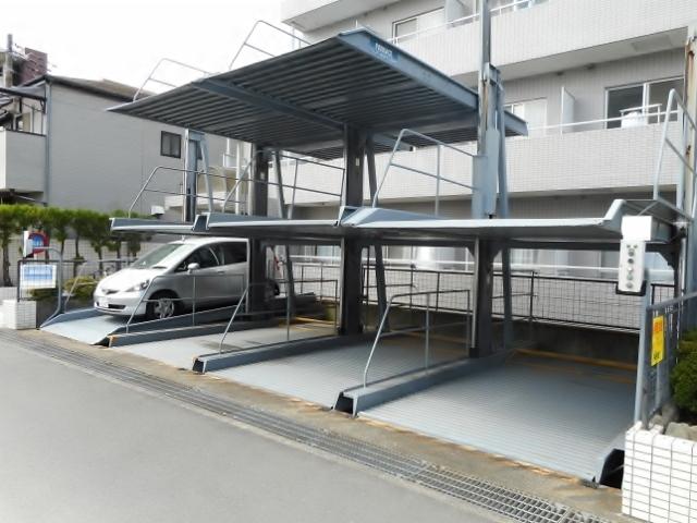 リュミエ本厚木駐車場