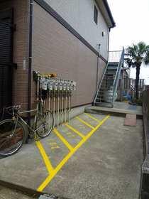 リヴェールTK駐車場