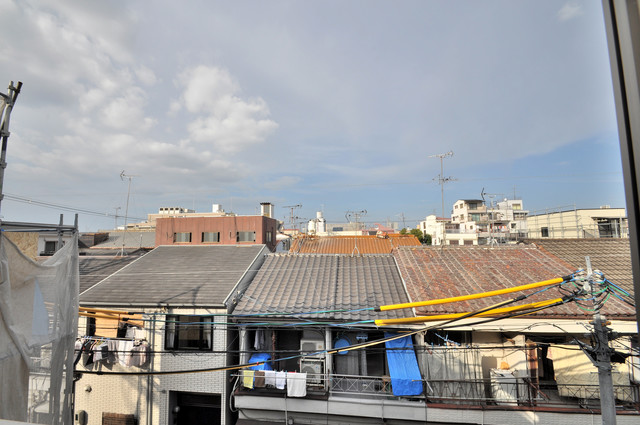 ラモーナ巽北Ⅱ この見晴らしが陽当たりのイイお部屋を作ってます。