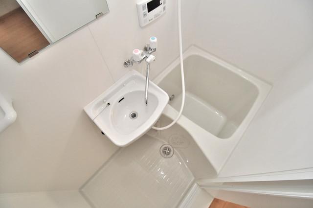 長田3-1-35 貸家 コンパクトだけど機能性バッチリ。シンプルライフに十分のお風呂。