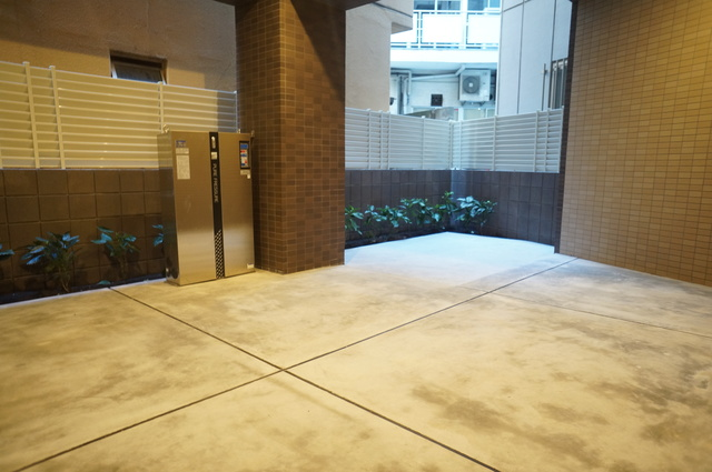 THE PRECIOUS 目黒川駐車場