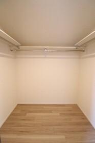 シャンベール 201号室