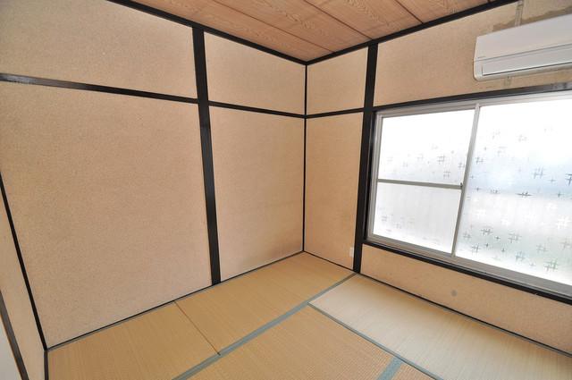 長田3-1-35 貸家 朝には心地よい光が差し込む、このお部屋でお休みください。