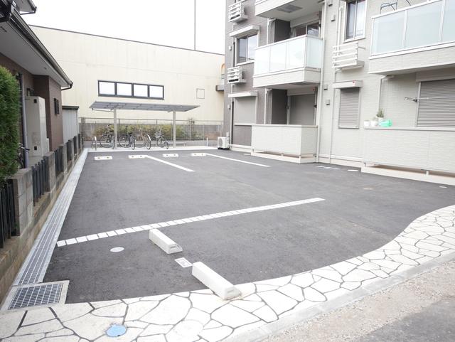 相武ガーデンコート駐車場