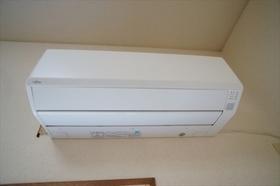 エアコンは1基付きです。