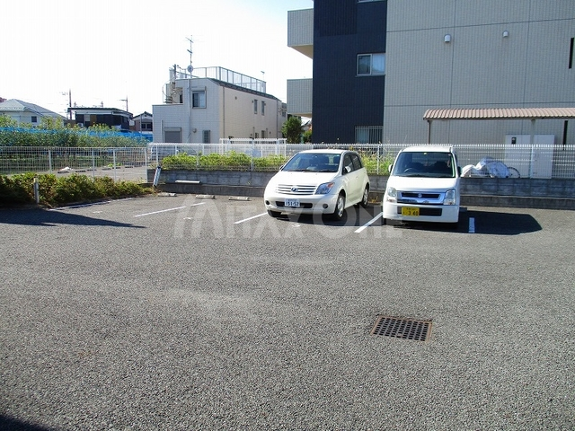 グランドゥール駐車場