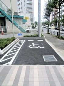 レーヴ町田V.A駐車場