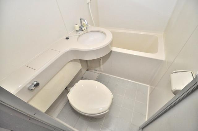小若江ハイツ シャワー一つで水回りが掃除できて楽チンです