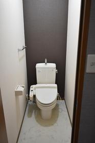 https://image.rentersnet.jp/91c6c901-6cf0-4f0d-877b-22d91ebc622d_property_picture_9494_large.jpg_cap_トイレ