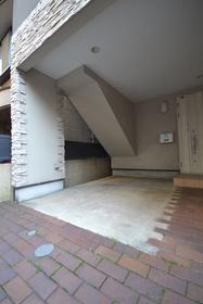 六本木駅 徒歩7分駐車場