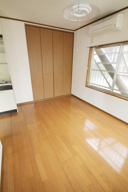 https://image.rentersnet.jp/92499c50-52d2-499d-a1c1-72f79dc35506_property_picture_3193_large.jpg